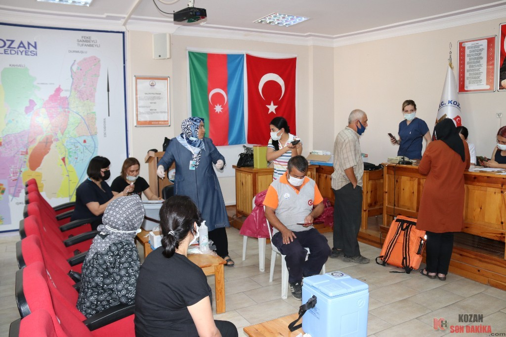 Kozan Belediyesi'nde aşılama başladı
