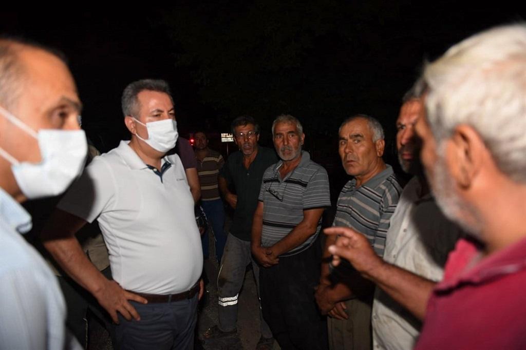 Vali Elban yangın bölgesinde çalışmalarını yakından takip etti