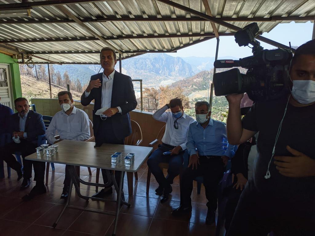 AK Parti Genel Başkan Yardımcısı ve Parti Sözcüsü Ömer Çelik, Kozan kızlarsekisi orman yangını  bölgesinde