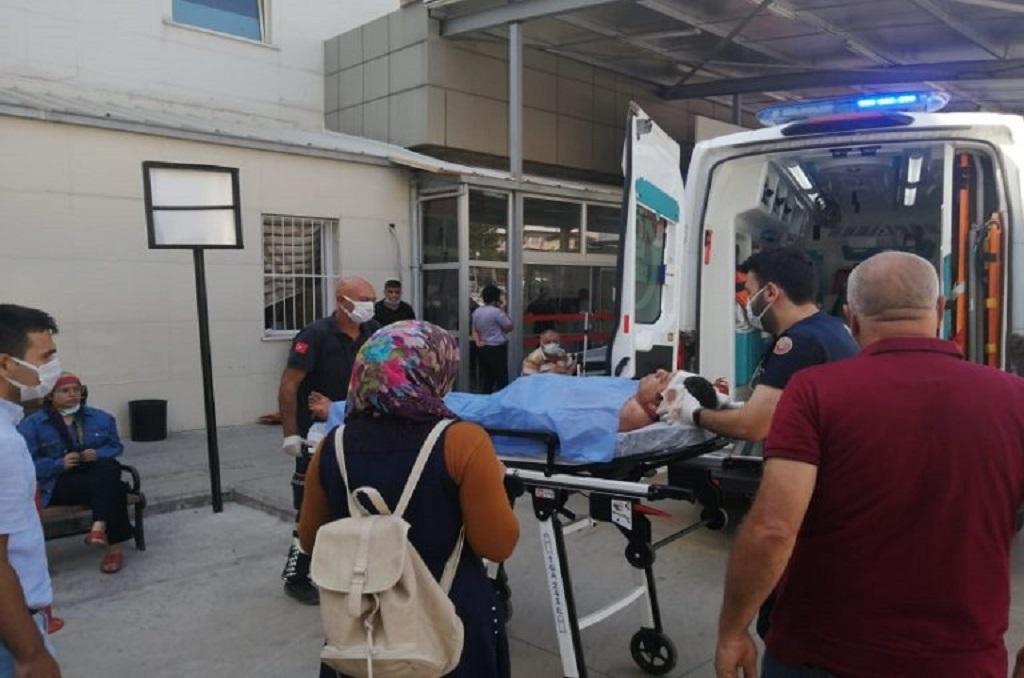 Feke'de meydana gelen trafik kazasında Beytullah Araz (Beyti Usta) yaralandı