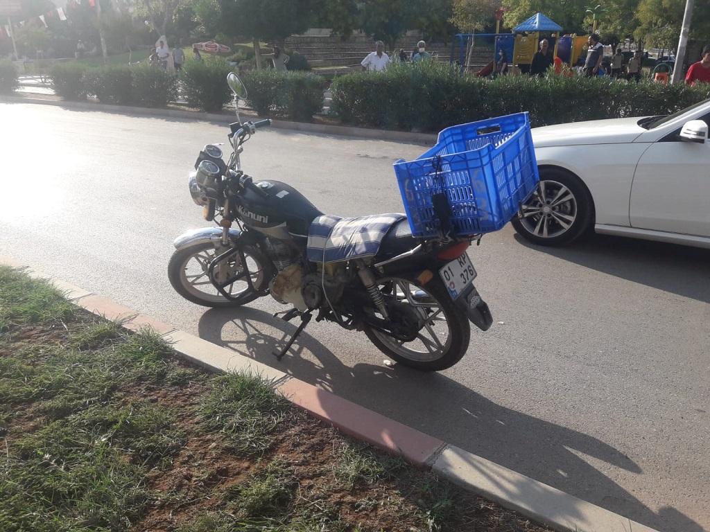 Kozan'da iki motosiklet çarpıştı 2 yaralı