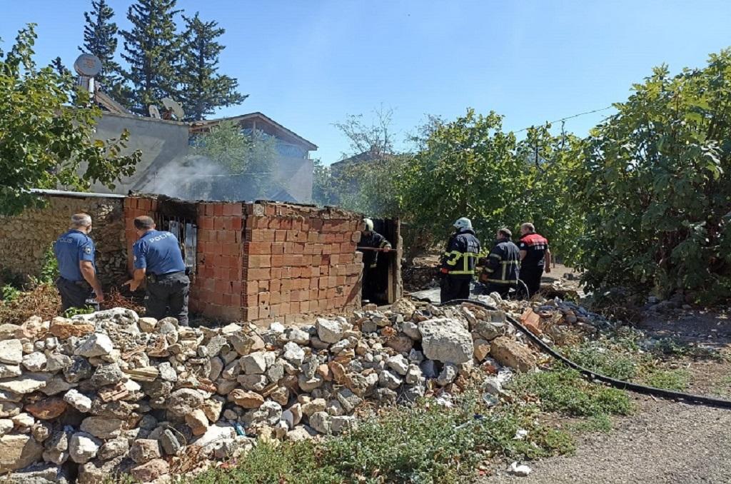 kozan ev yangını