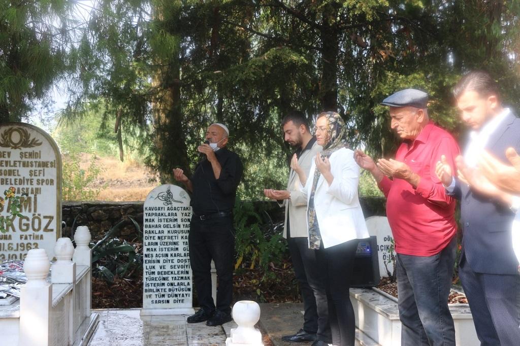 KozanSpor eski AsBaşkanı Sami Açıkgöz, ölümünün 24. yılında mezarı başında anıldı.